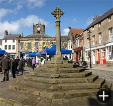 The market place and cross at Alnwick